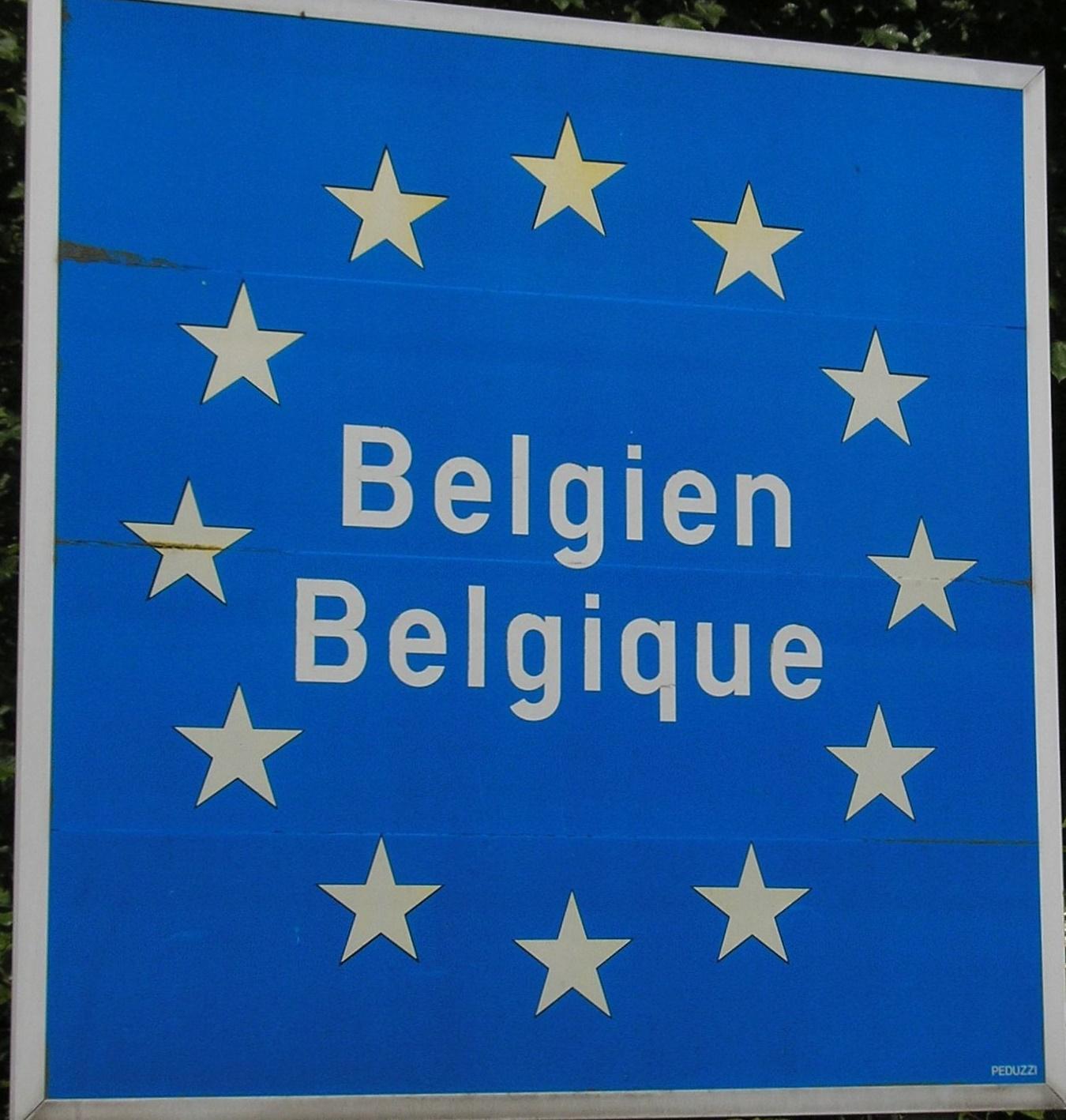 """""""Belgien Belgique"""" Schild an der Grenze bei Küchelscheid (Gemeinde Bütgenbach) in der Deutschsprachigen Gemeinschaft"""