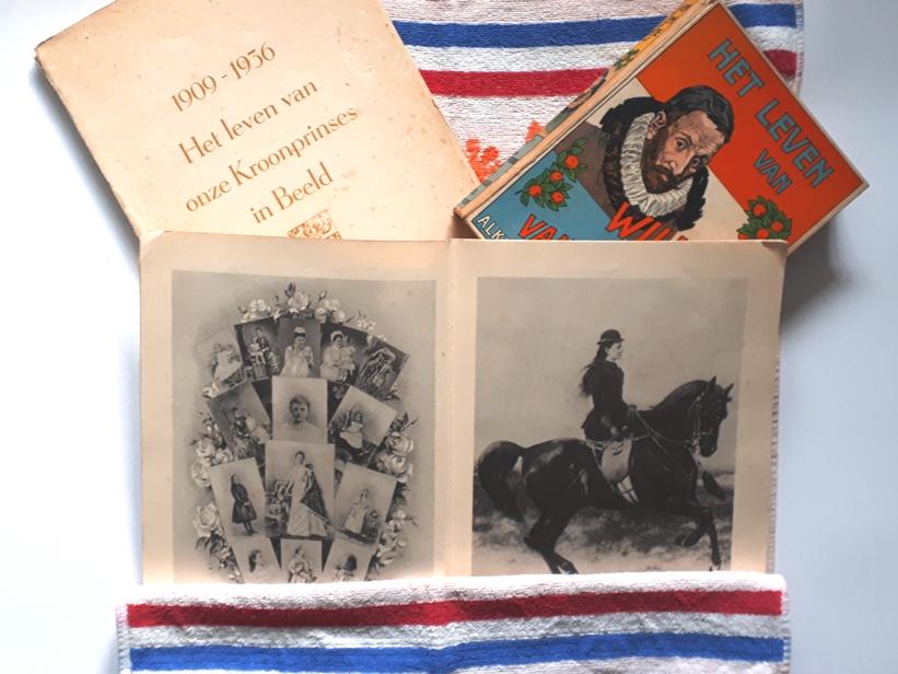 Foto Bücher niederländisches Königshaus